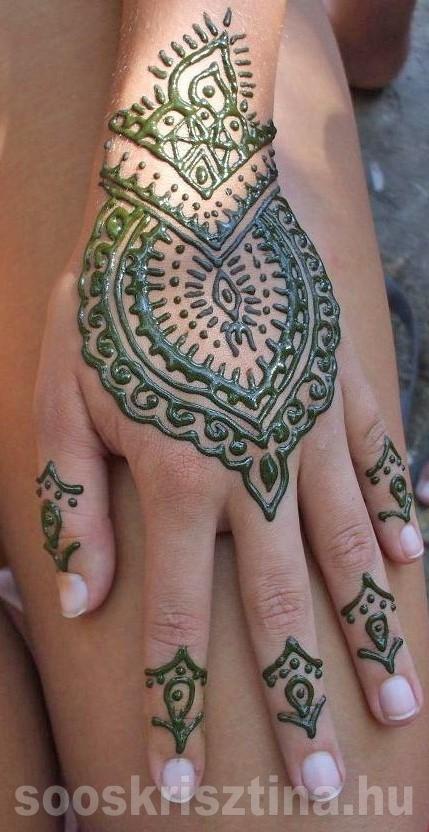 Indiai kézfej hennaminta. Hennafestő: Soós Krisztina