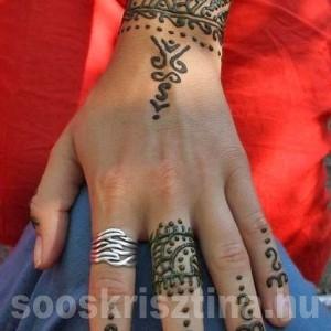 Marokkói kézfej henna. Hennafestő: Soós Krisztina