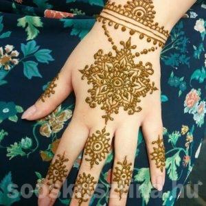 Kézfej henna festés Budapesten, Soós Krisztina