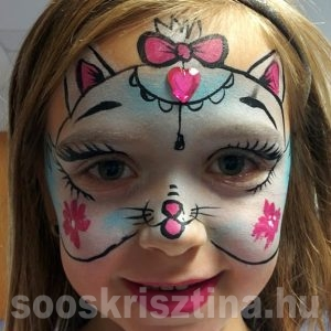 Cica, arcfestő: Soós Krisztina