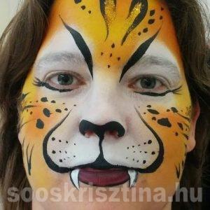 Tigris arcfestés, arcfestő: Soós Krisztina