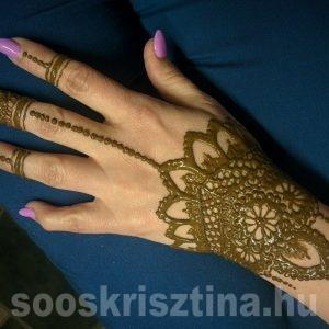 Kezdő henna tanfolyam, tanuló munkája, Budapest, CsillámVilág