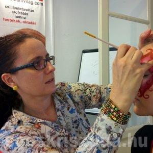 Arcfestés bemutató arcfestő tanfolyam, CsillámVilág