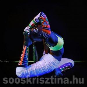 UV testfestés, Soós Krisztina, Hollka Photo, Ekapadarajakapotasana